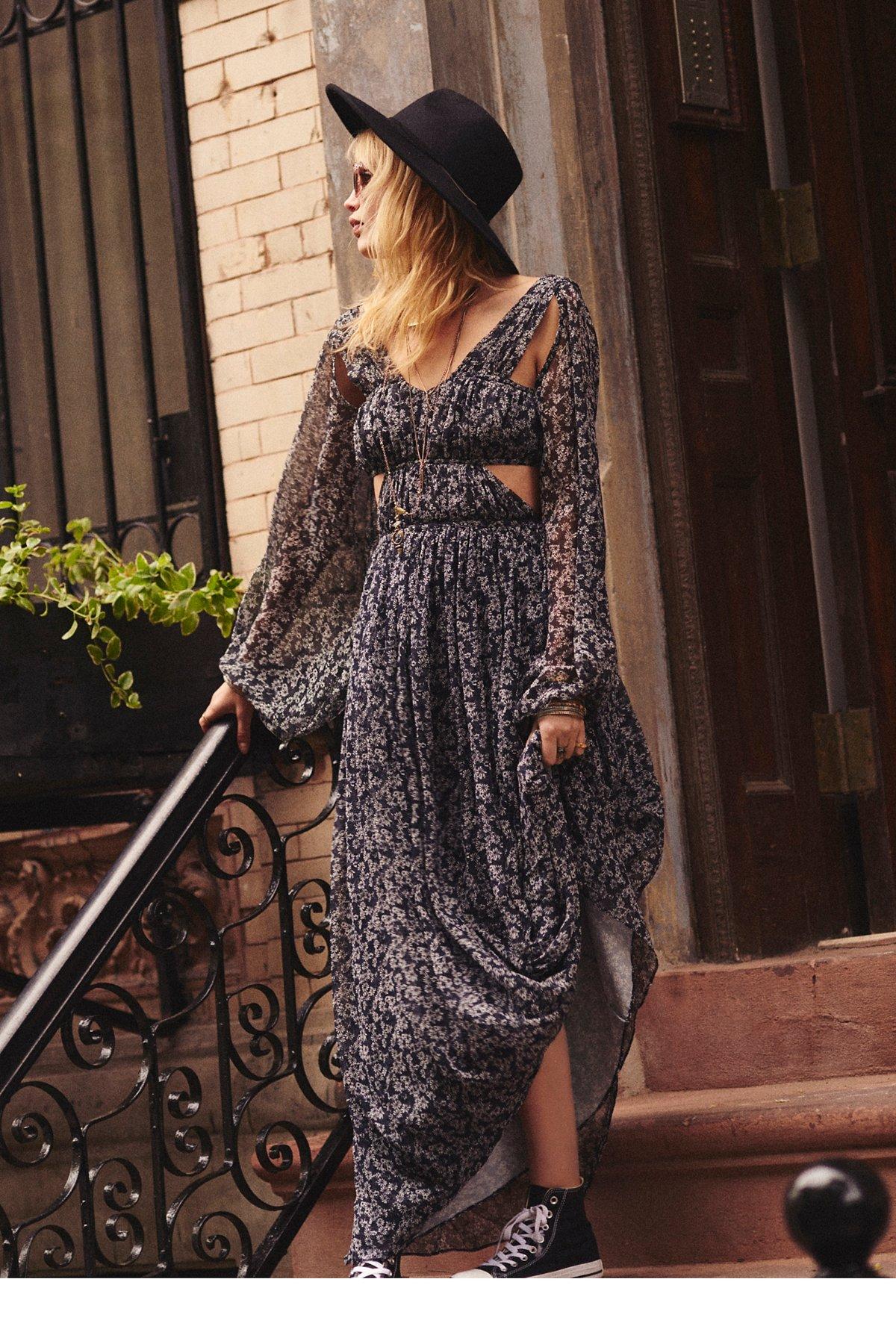 Daisy Billow Sleeve Dress