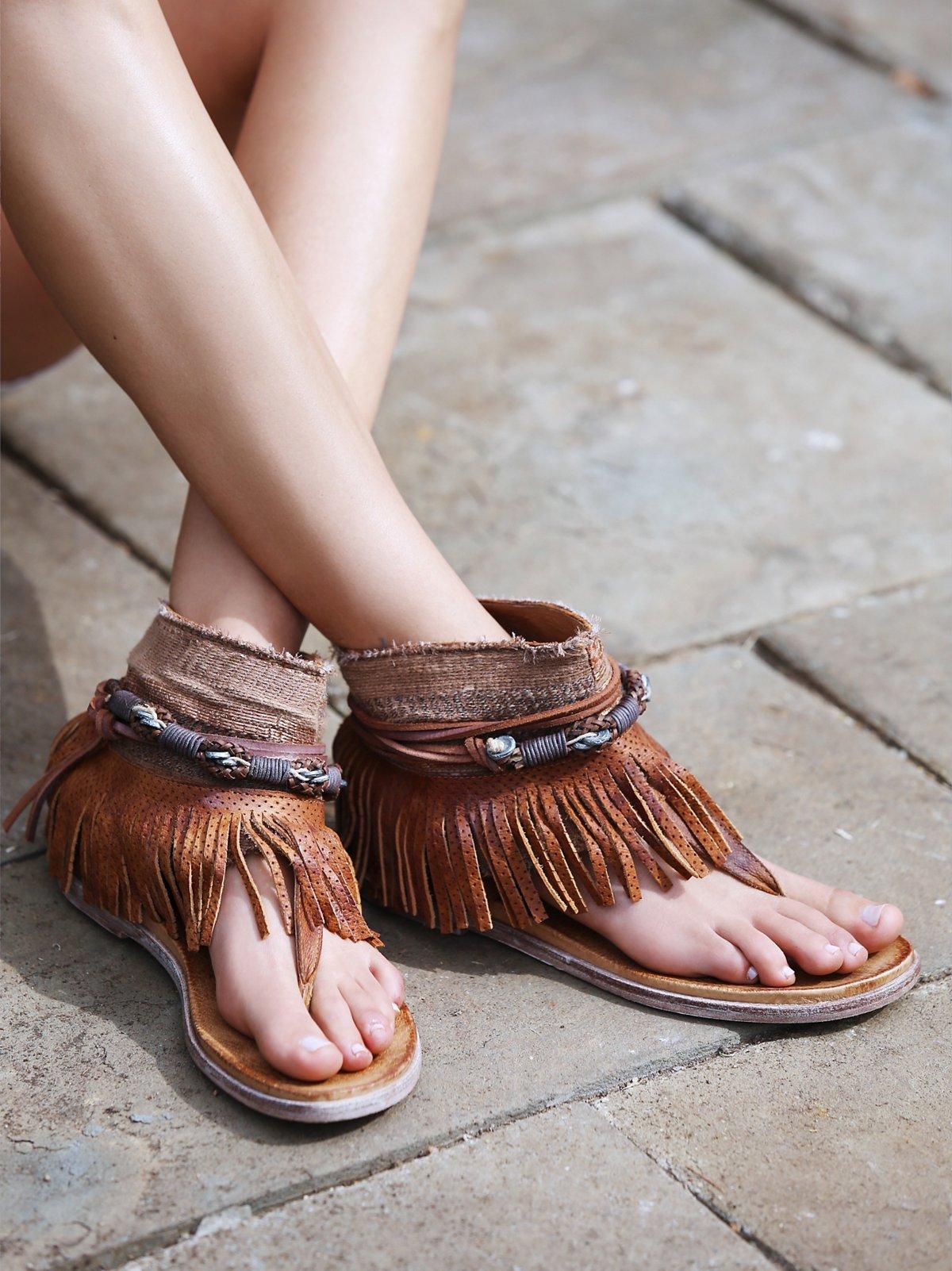 Wonder Land流苏凉鞋