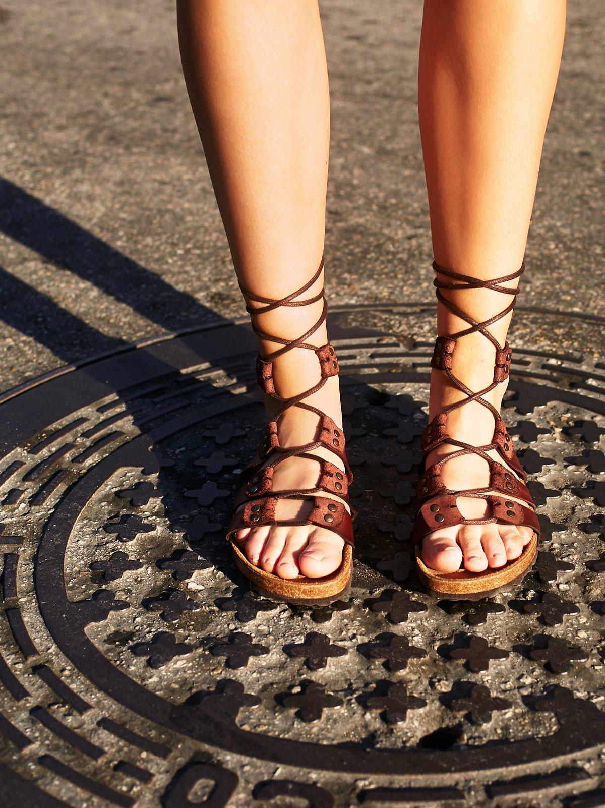 Pasadena Lace Up Footbed
