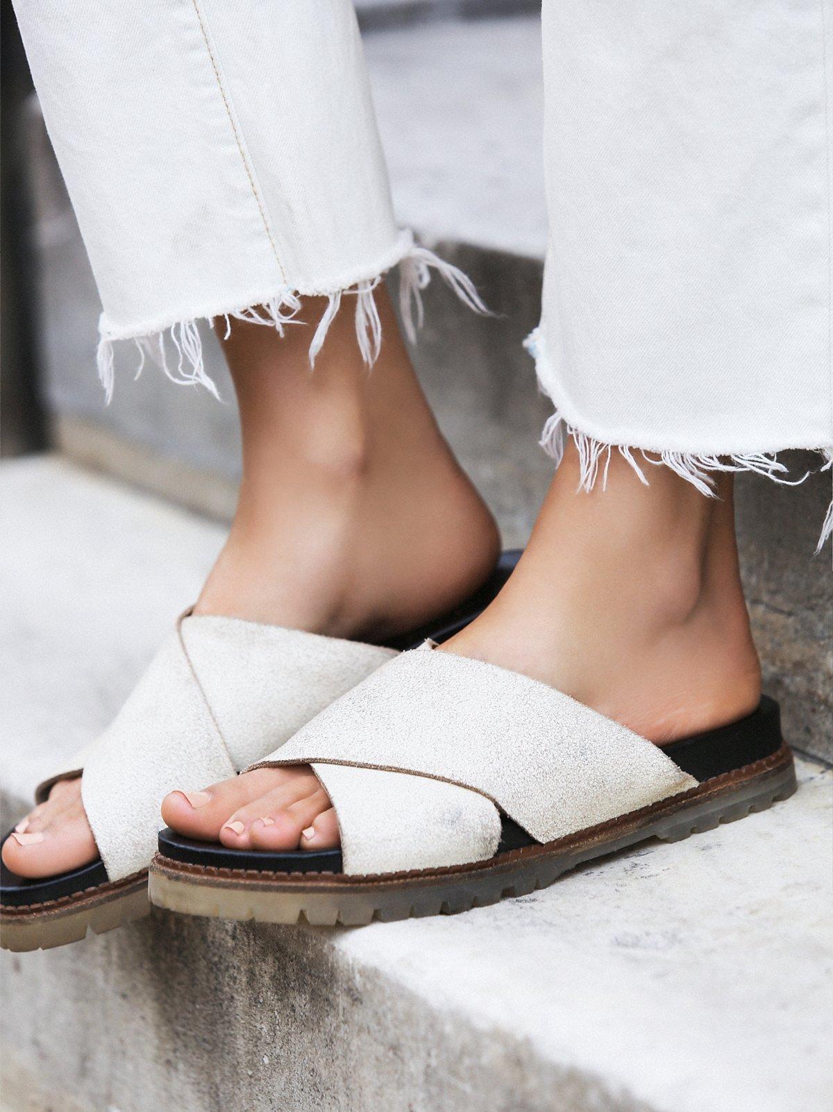 Claremont交叉带凉鞋