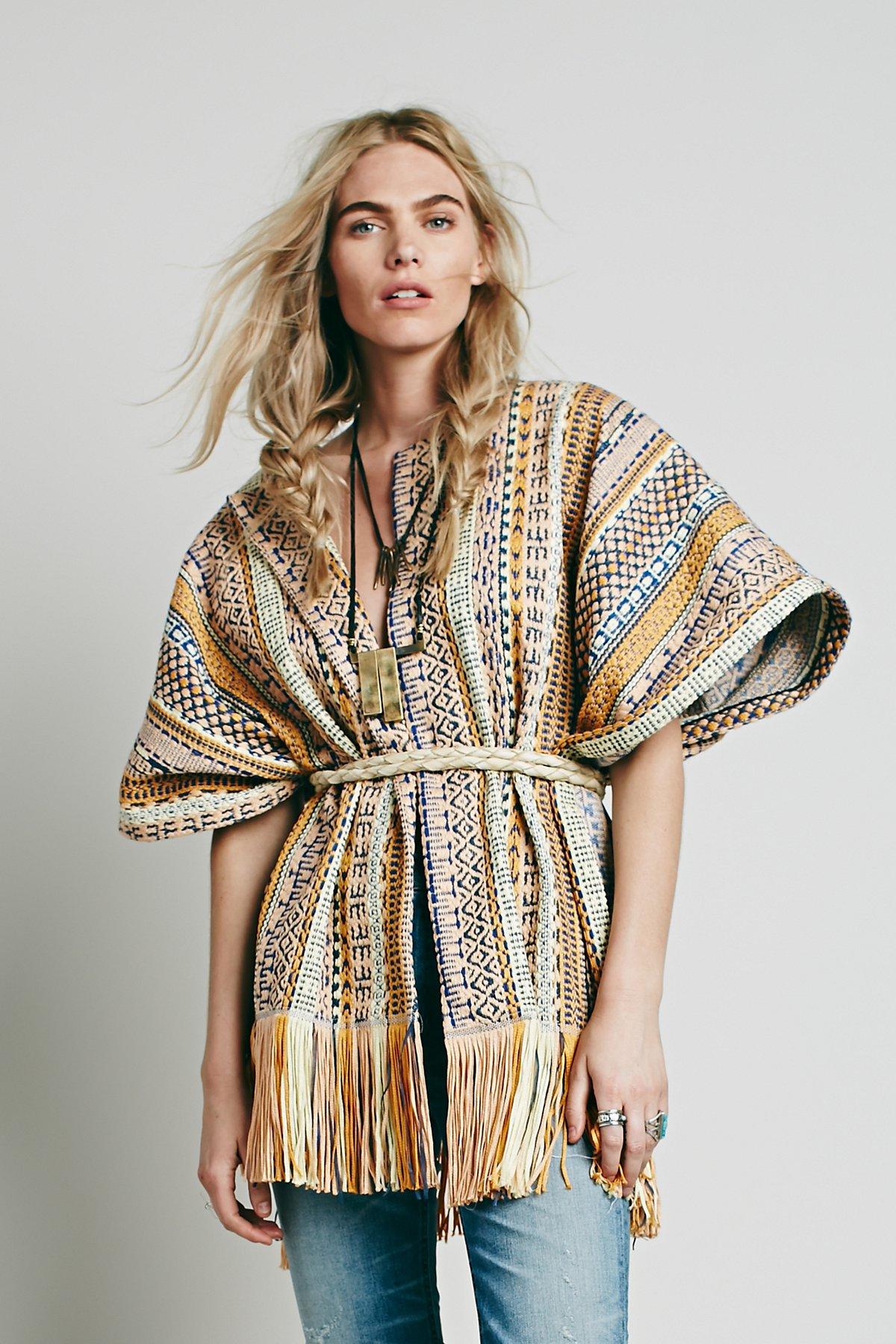 Tasina刺绣披巾