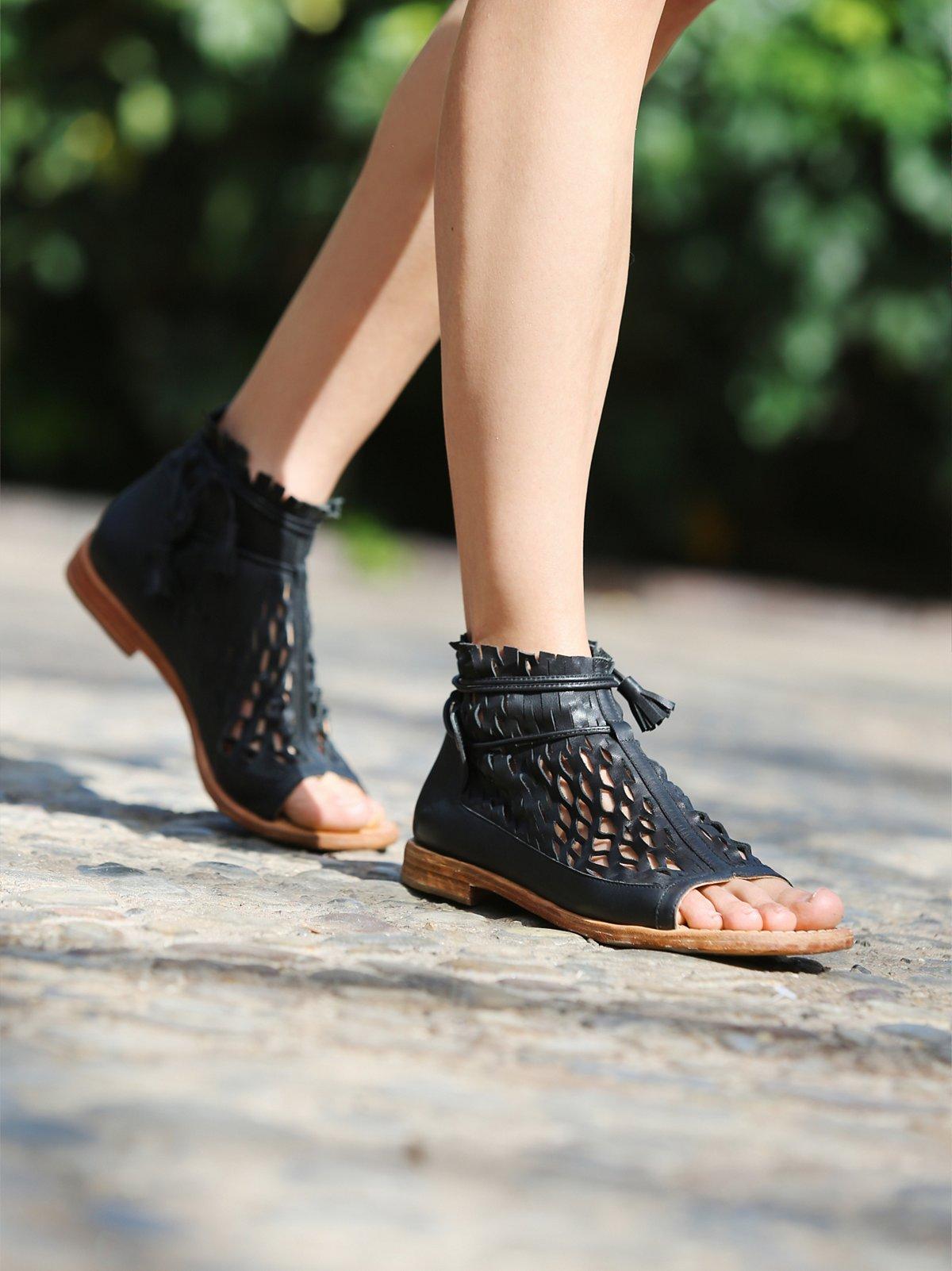 Lumineer凉鞋