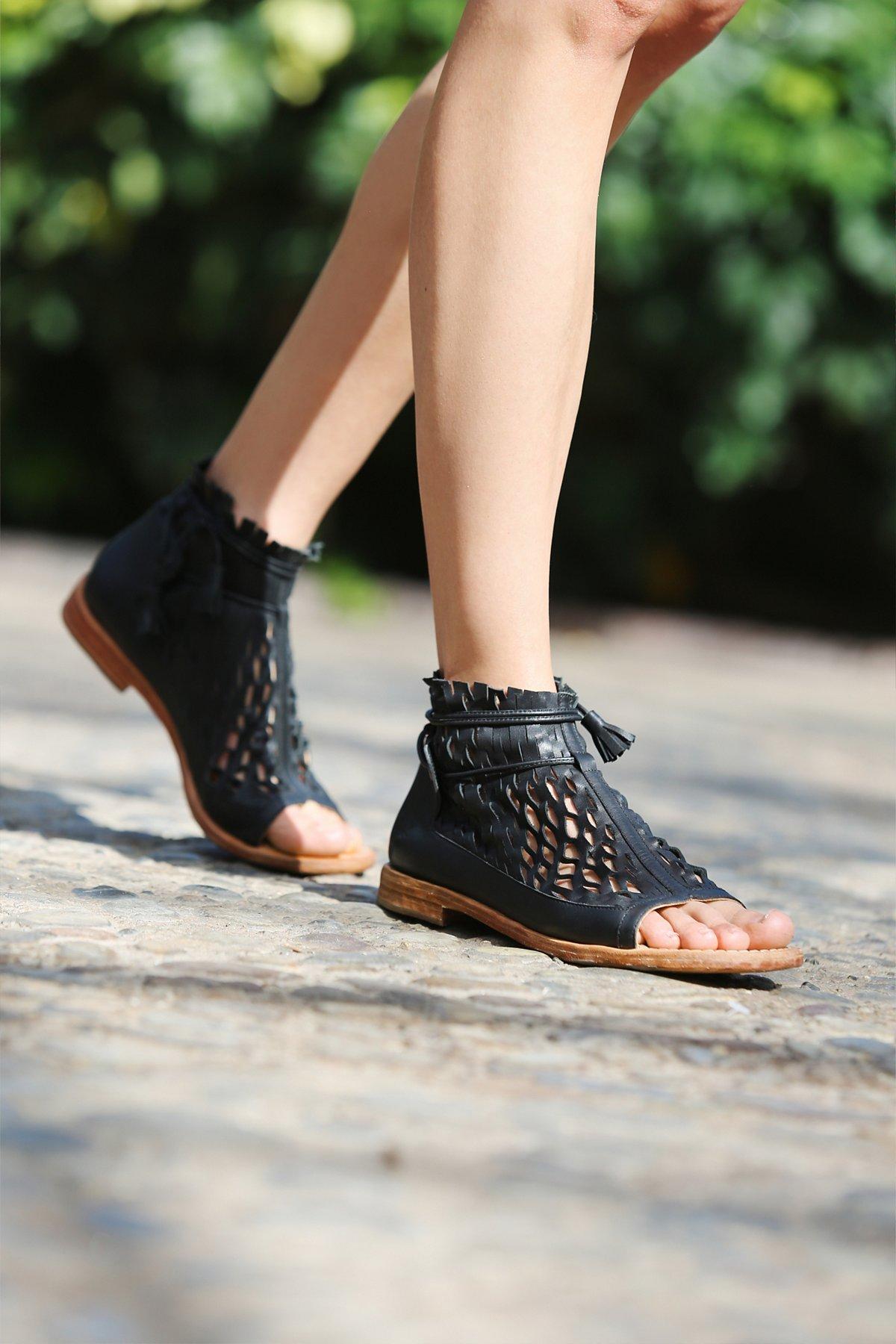 Lumineer Sandal