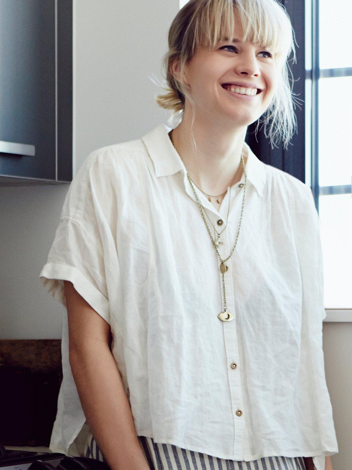 Short Sleeve Linen Crop Buttondown
