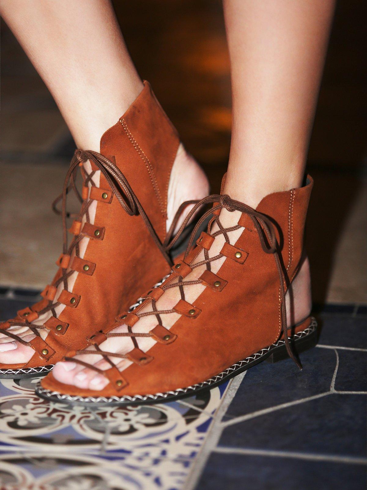 Edgewater系带凉鞋