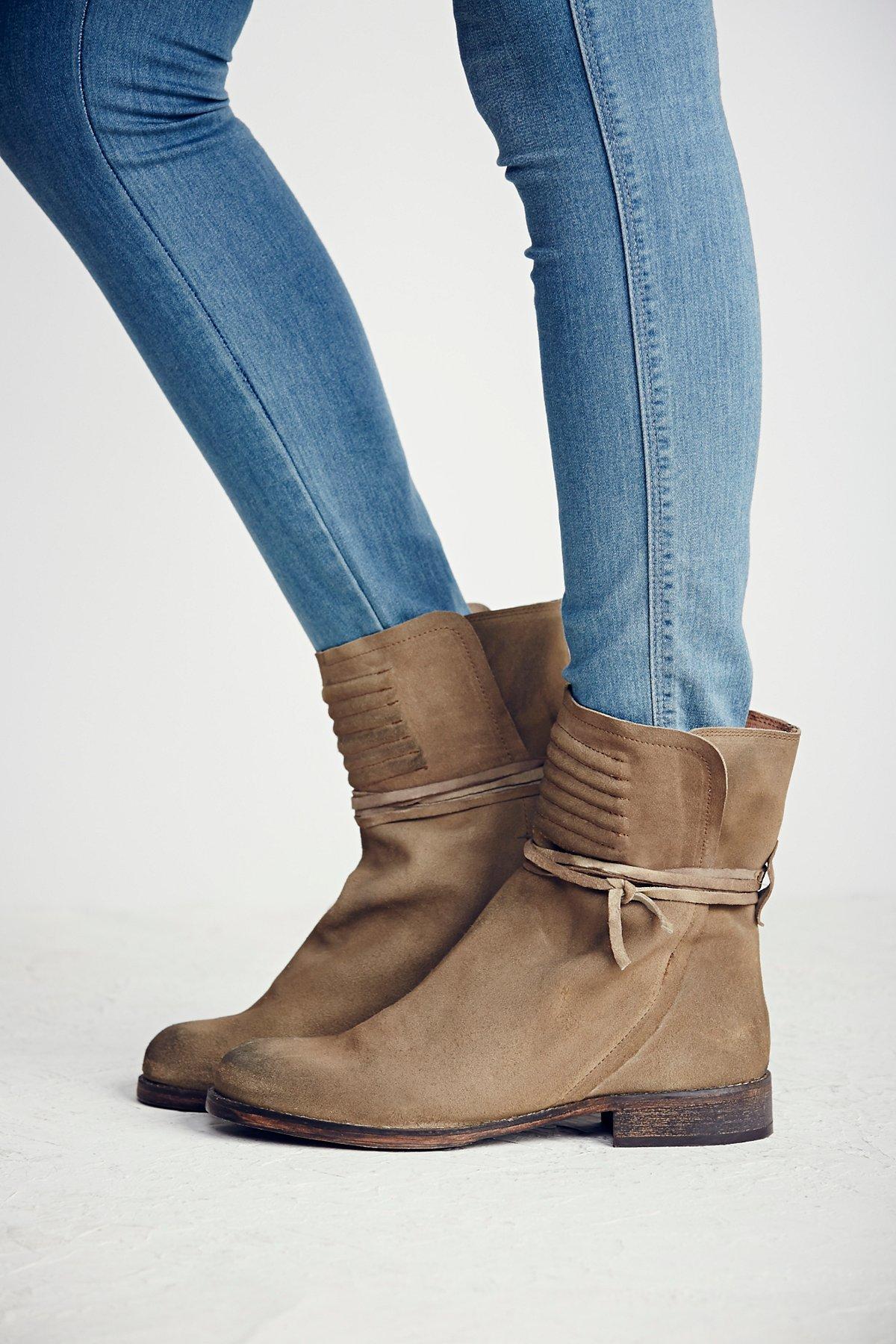 Cambridge Wrap Boot