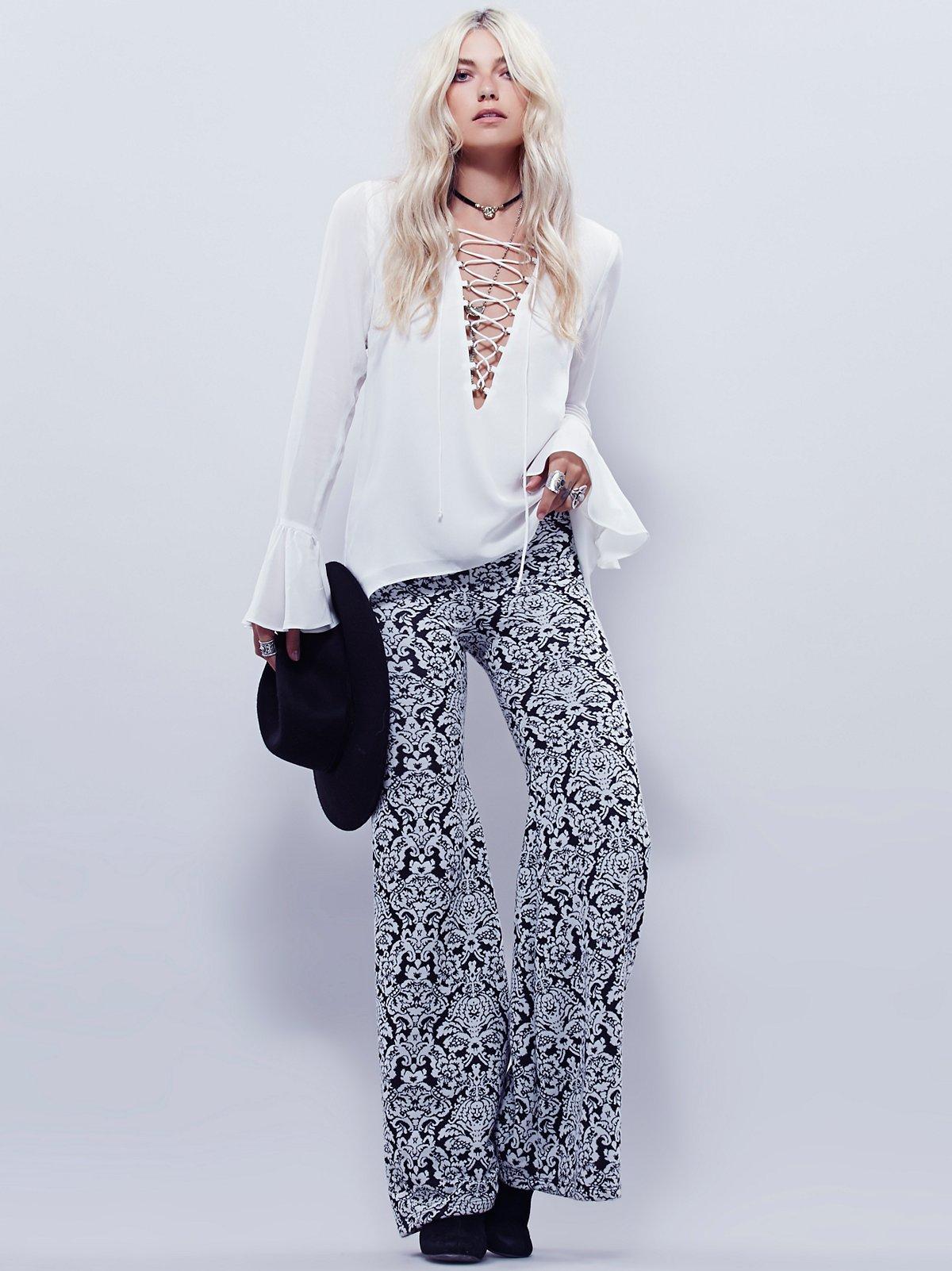 提花蕾丝喇叭裤