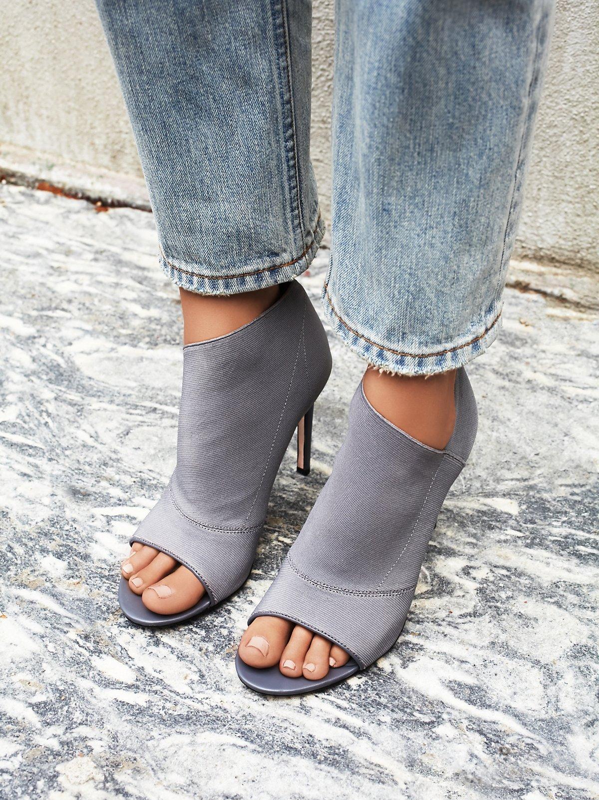 Lefthook高跟鞋