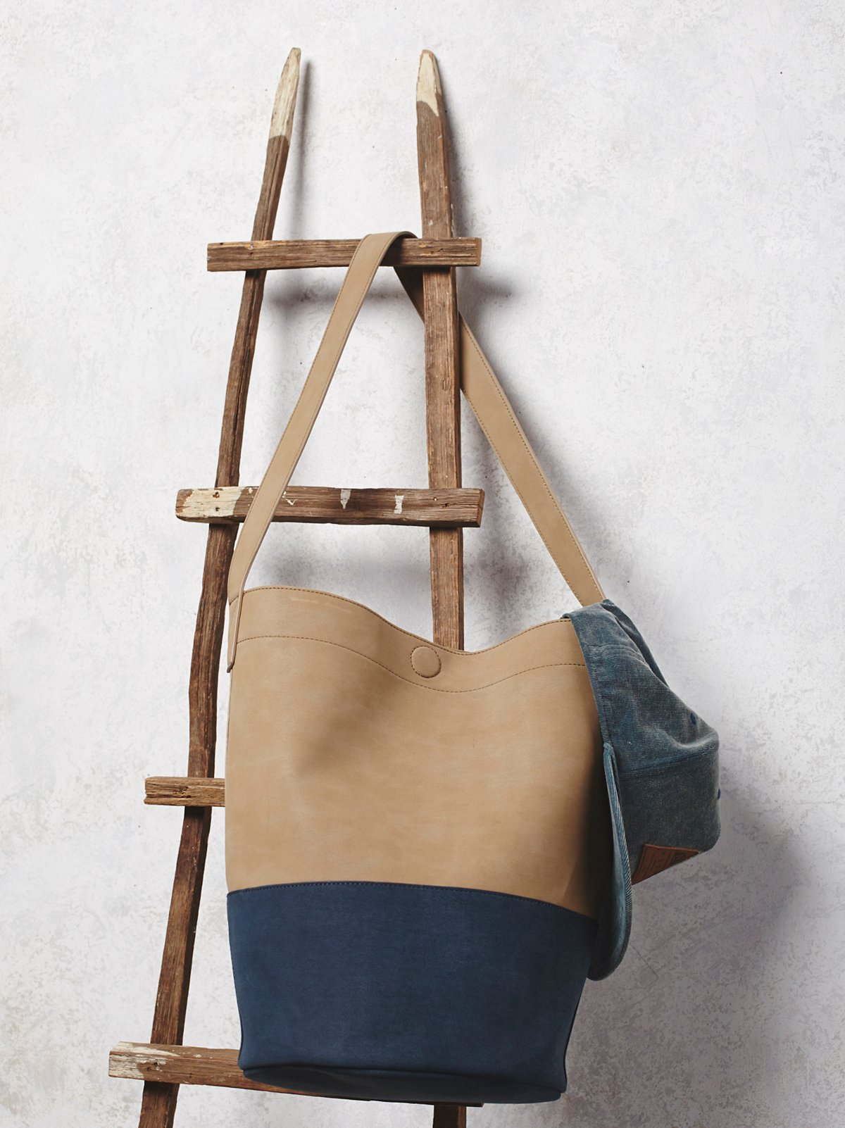 Victory Bucket Bag