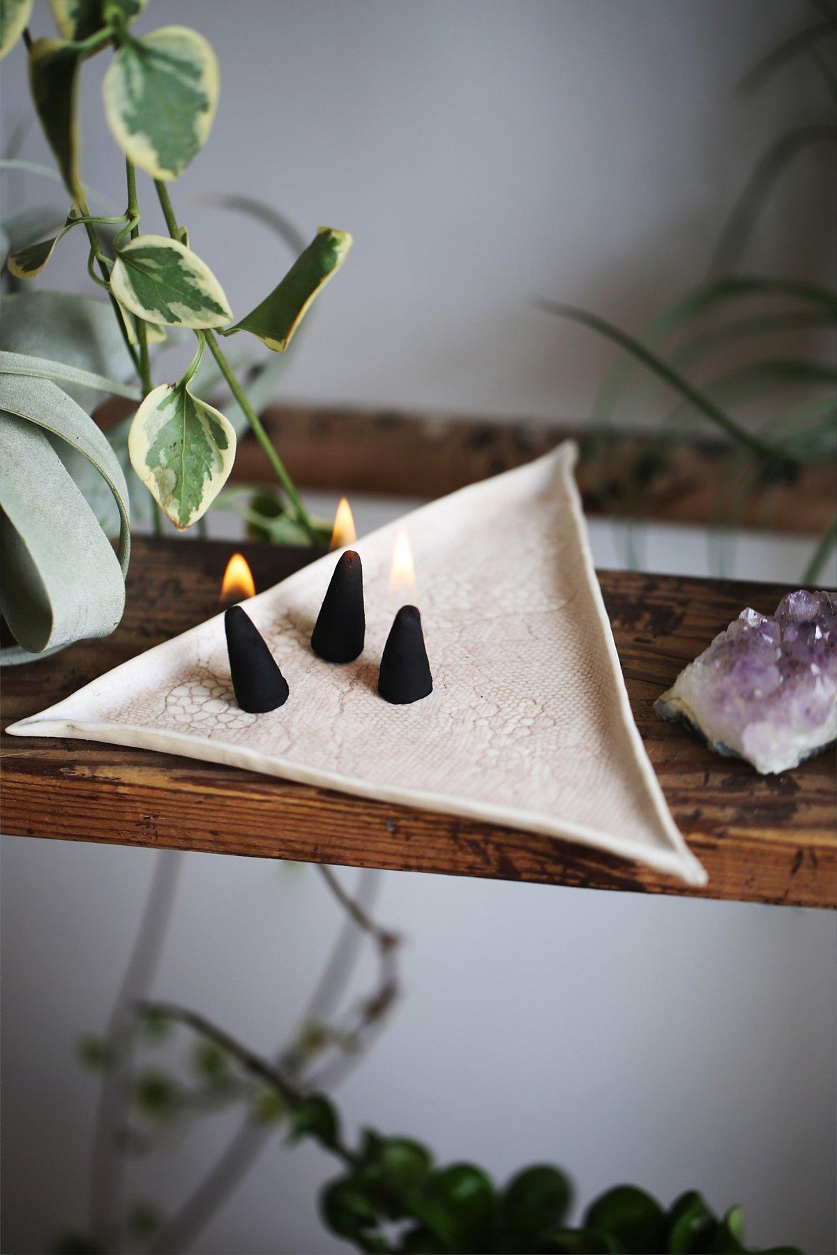 Stephanie Tran Triangle Cone Incense Ivory