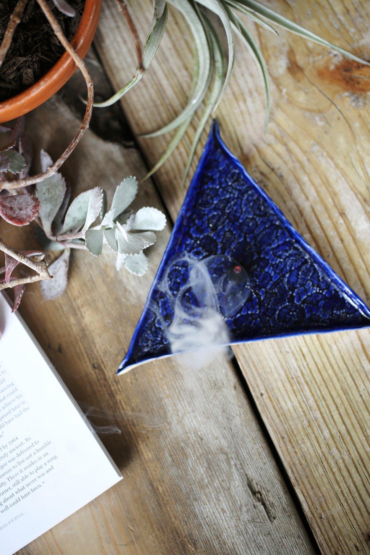 三角锥形香薰盘