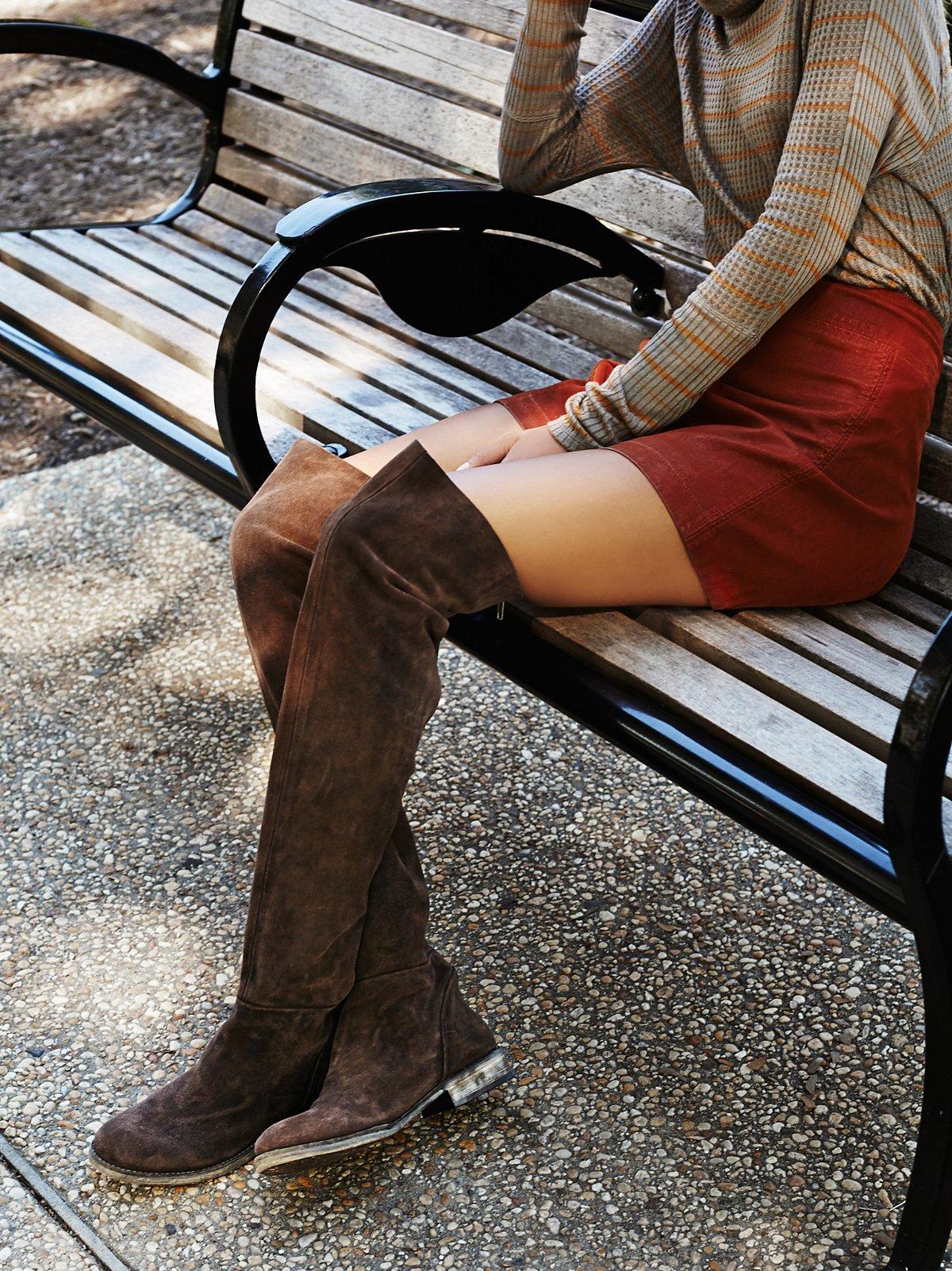 Carlisle麂皮绒过膝长靴