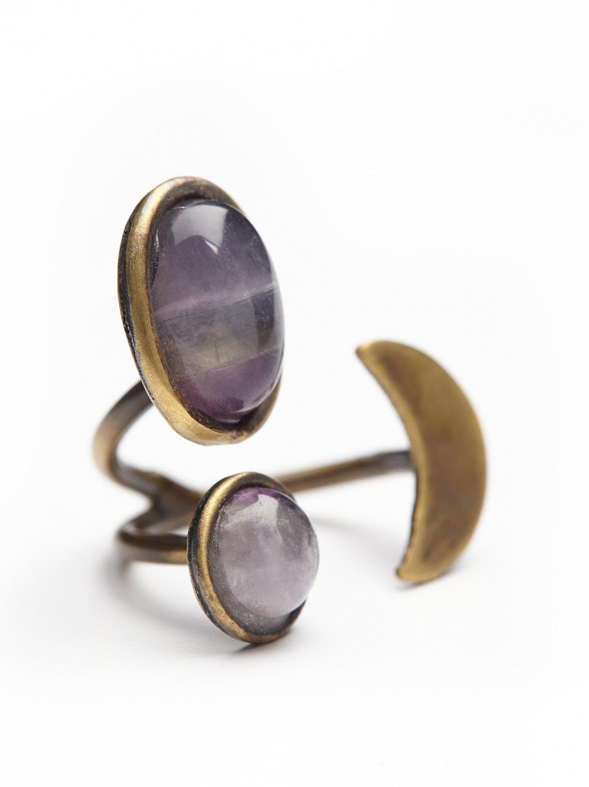 Orbit宝石戒指