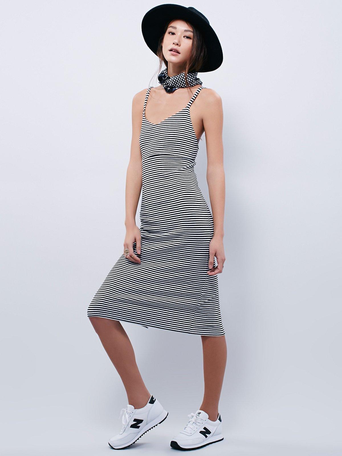时尚吊带连衣裙