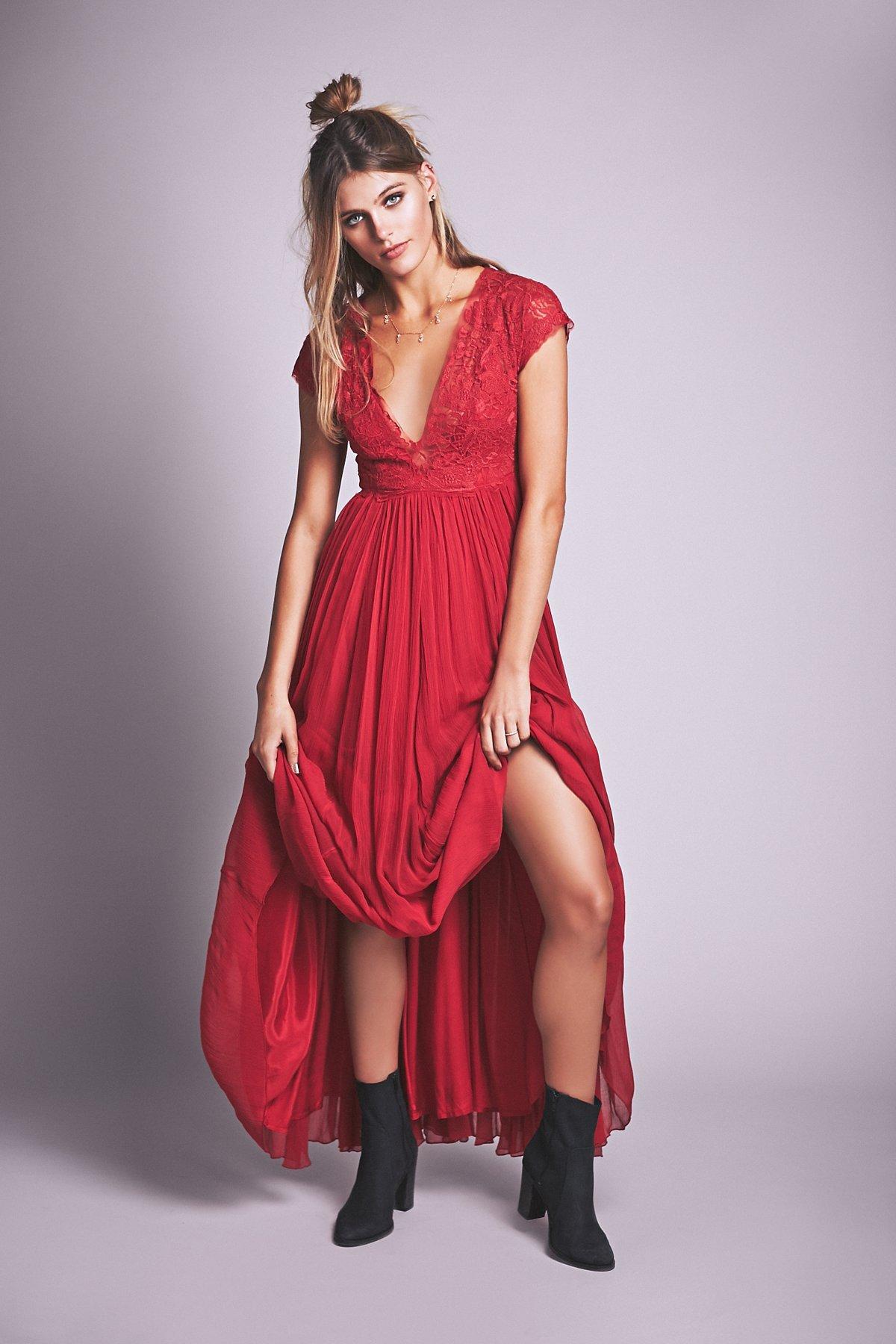 玫瑰红长裙