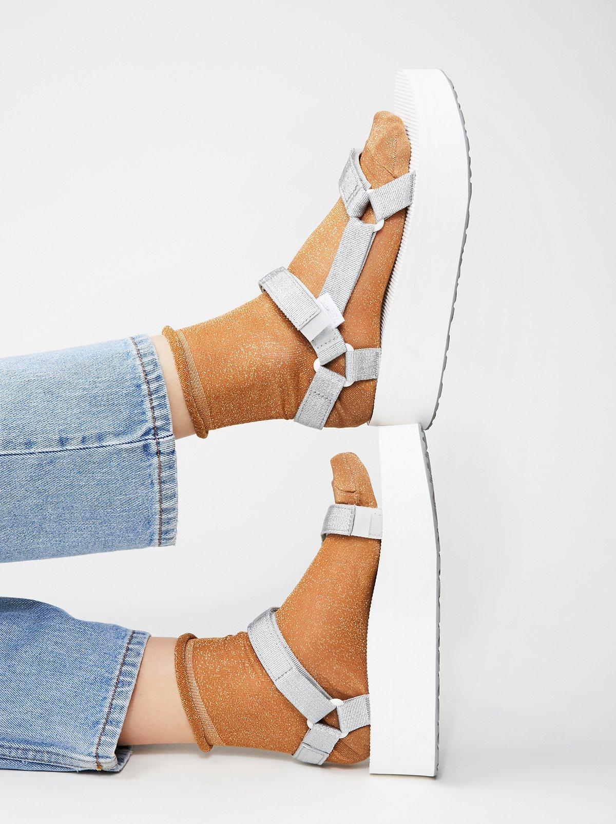 Universal Flatform Teva厚底鞋