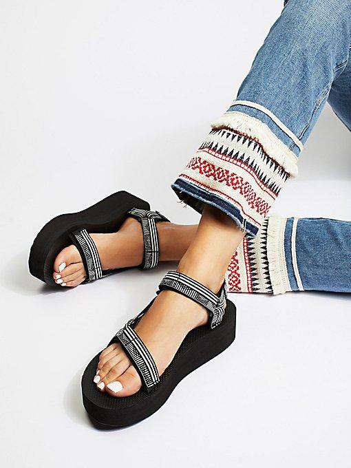 Product Image: Universal Flatform Teva厚底鞋