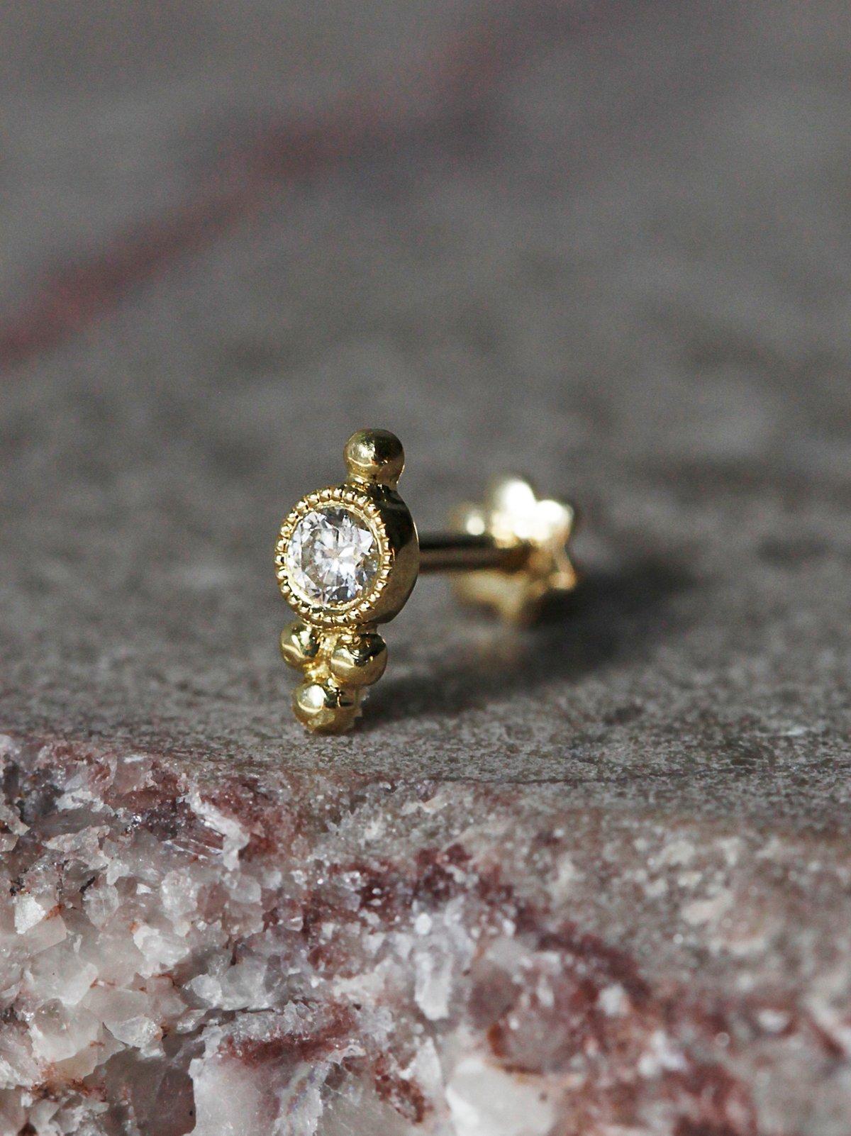 Trinity Helix钻石耳钉