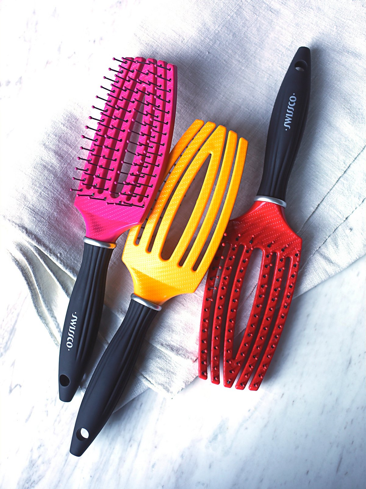 Massaging Paddle Brush