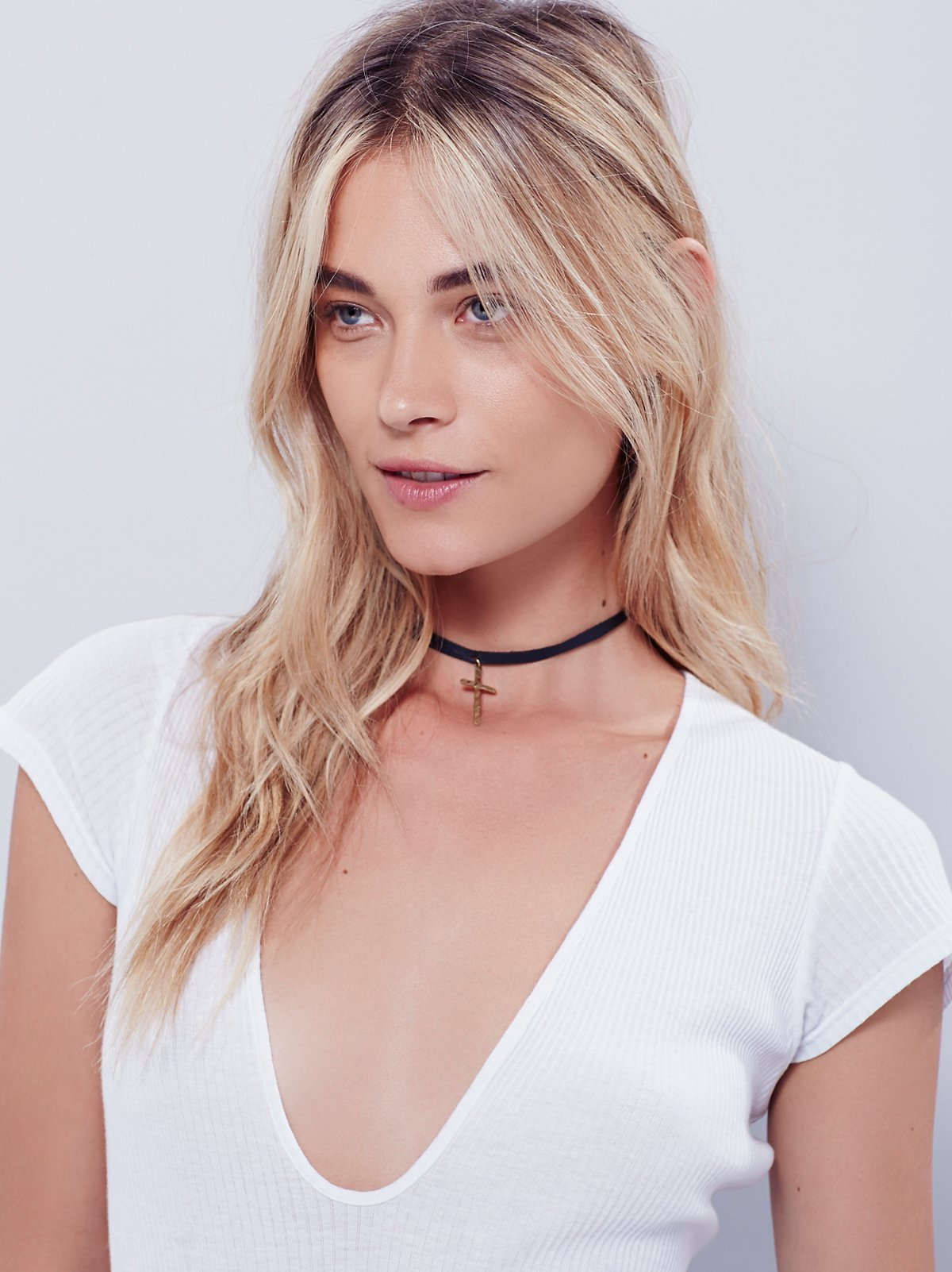 Maria Leather Cross Choker