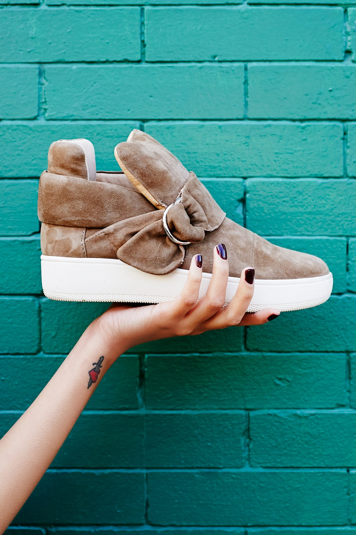Baseline D-Ring Hi Top Sneaker