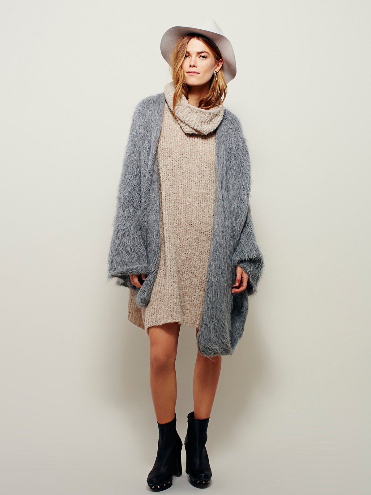 Grande Faux Fur Cape
