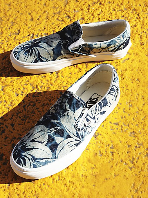 Product Image: Tropical Classic Slip On
