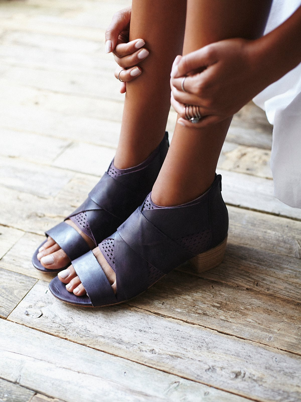 Eclipse粗跟鞋
