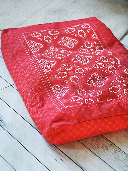 Product Image: Side Kick Bandana Print Bed
