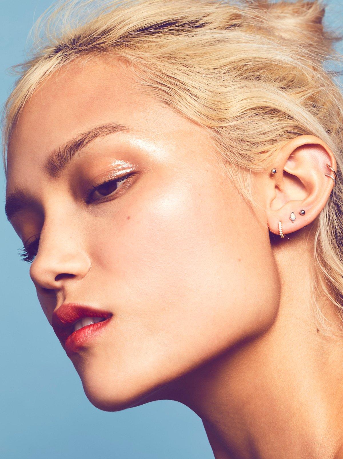 18K Diamond Helix Hoop Earring