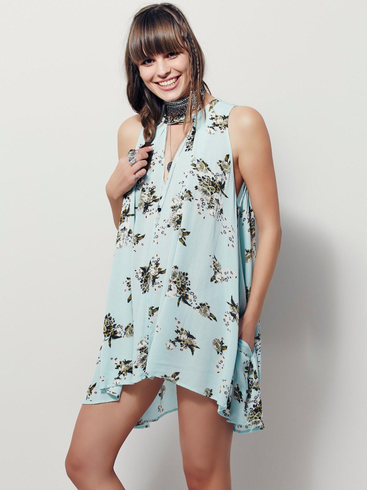 褪色花卉图案无袖裙衫