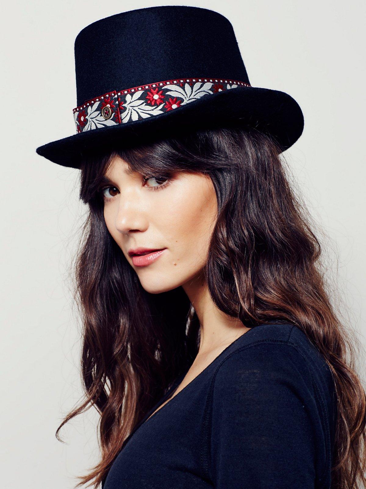 Mademoiselle Top Hat