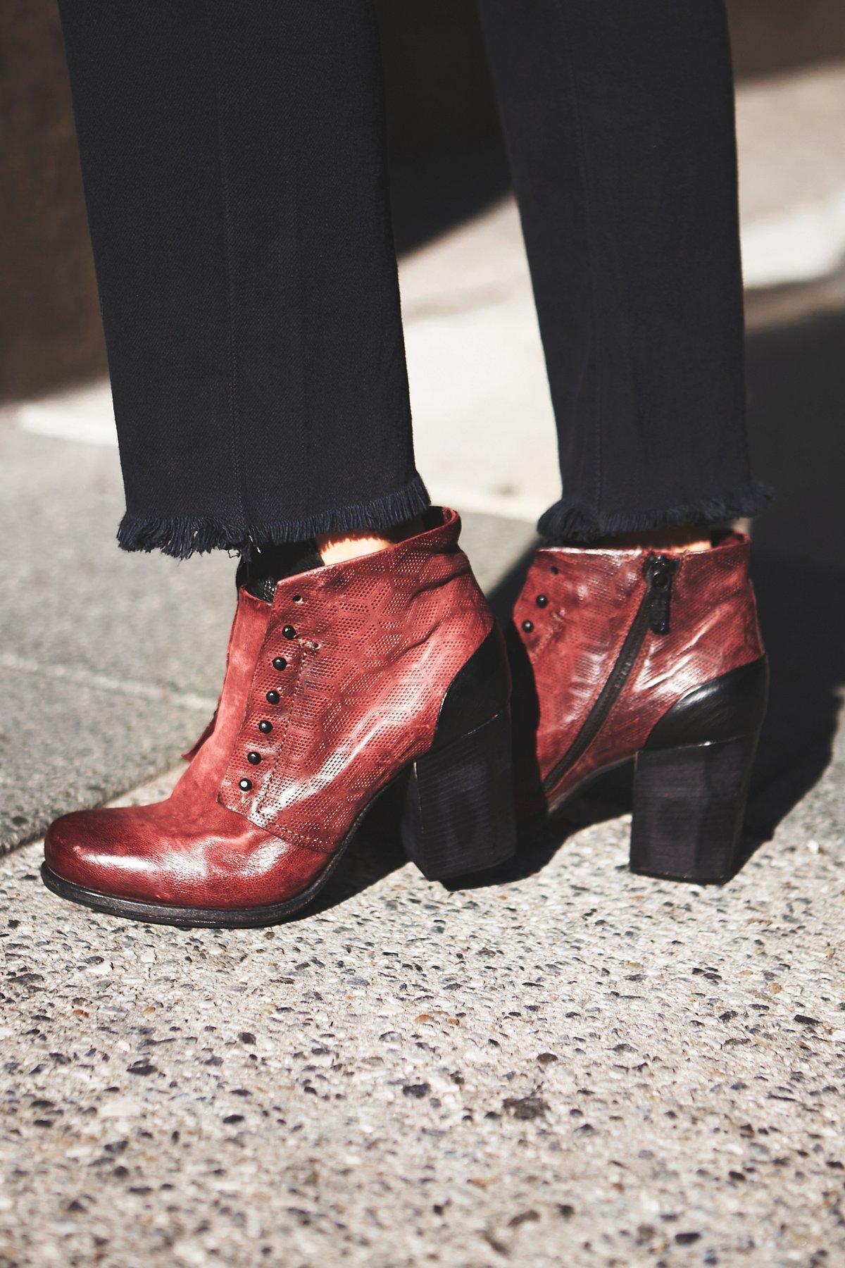 Weekender Heel Boot