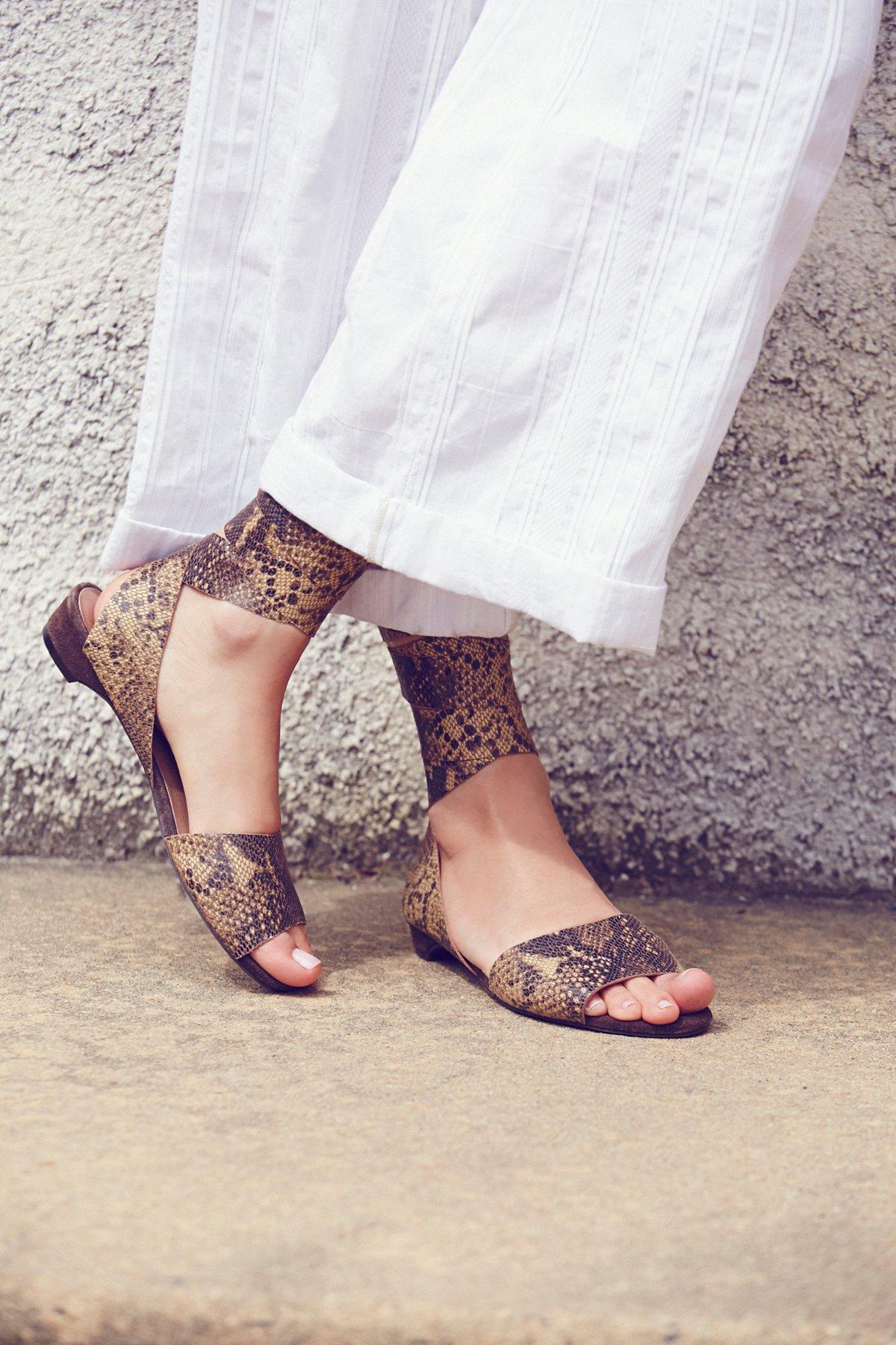April缠绕式平底鞋