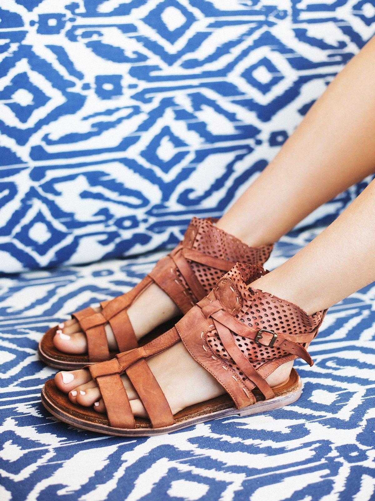 White Dunes Boot Sandal
