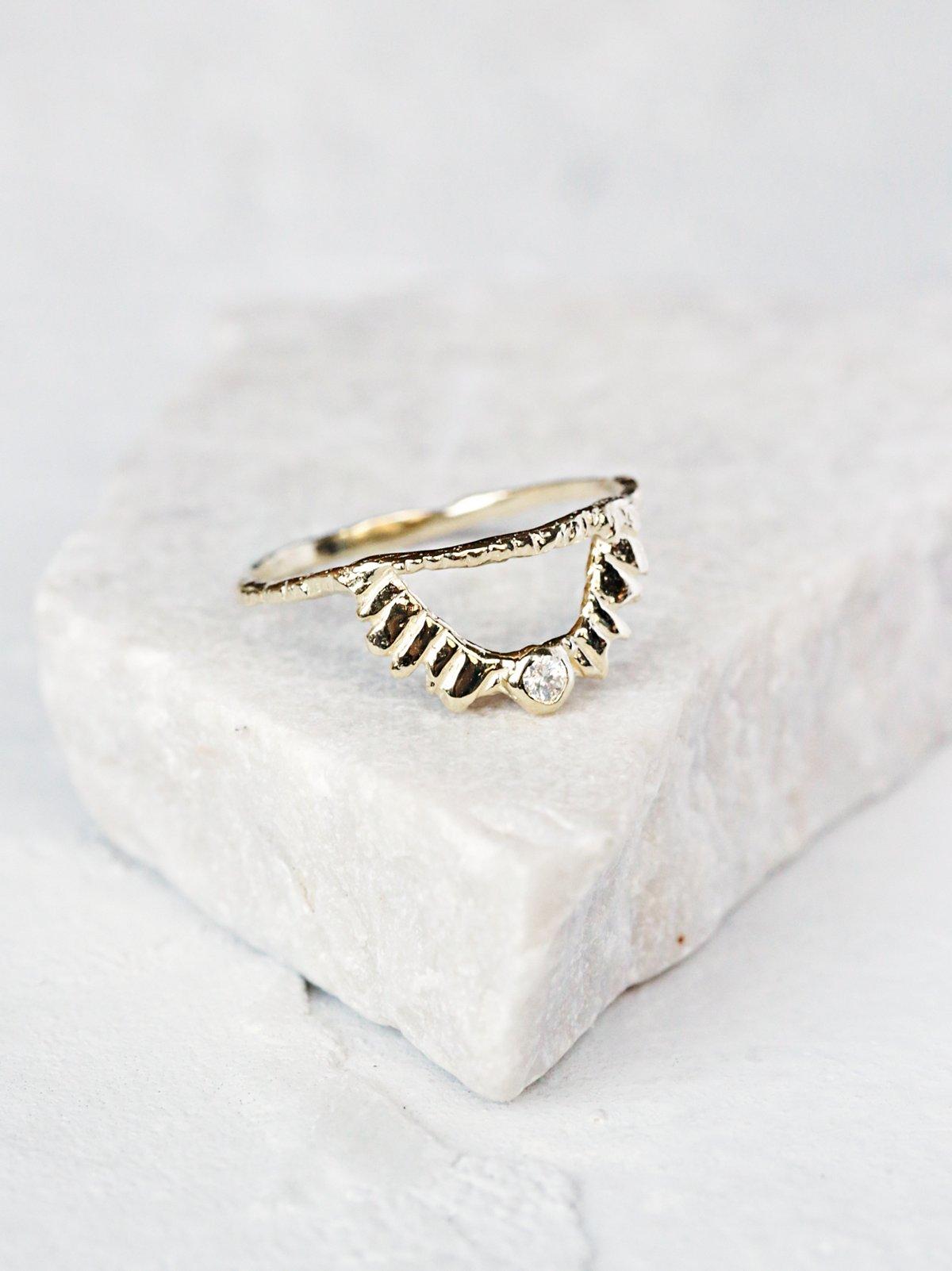 Radiant Light Ring