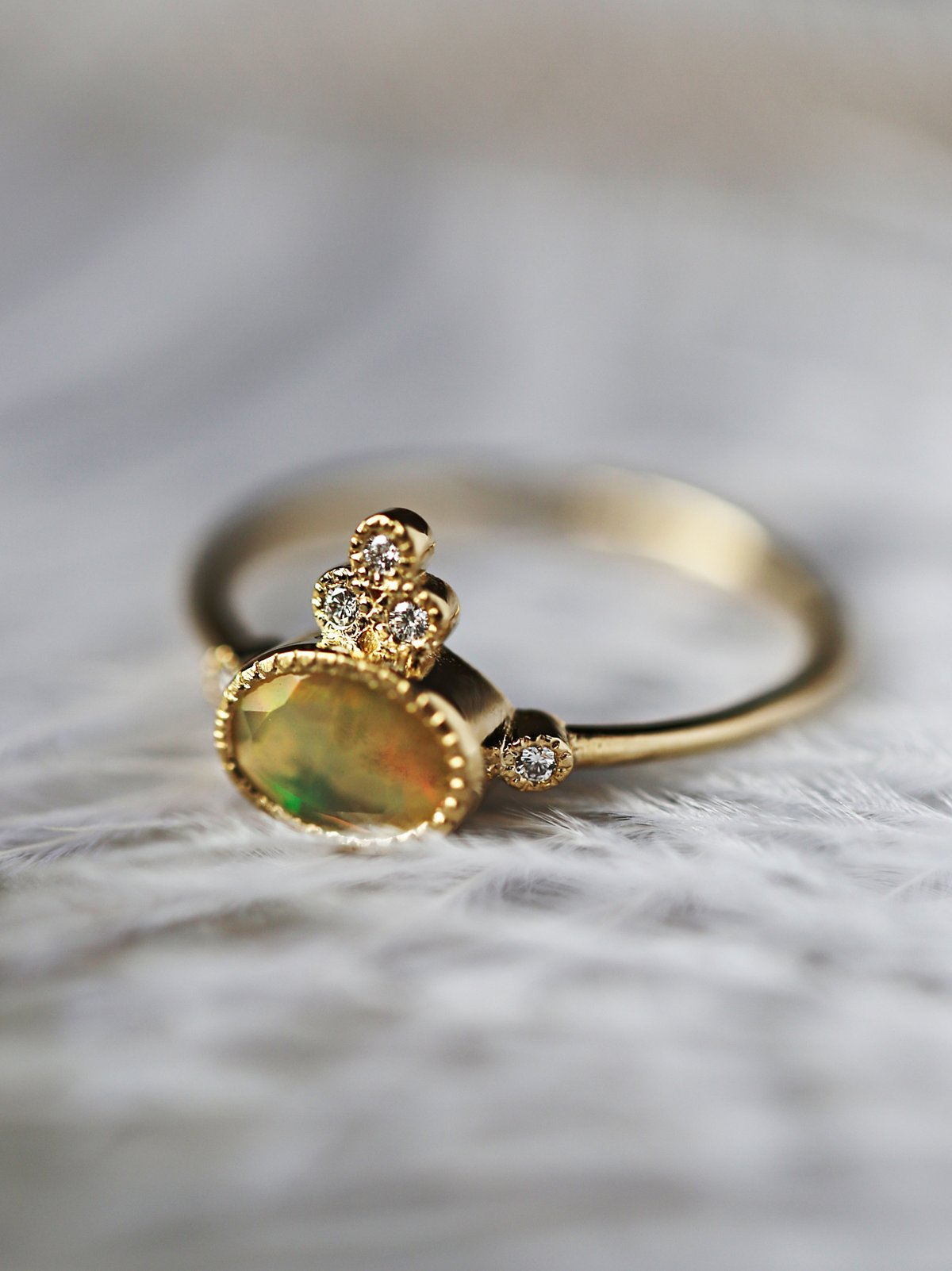14K Gold 5 Diamond Opal Ring