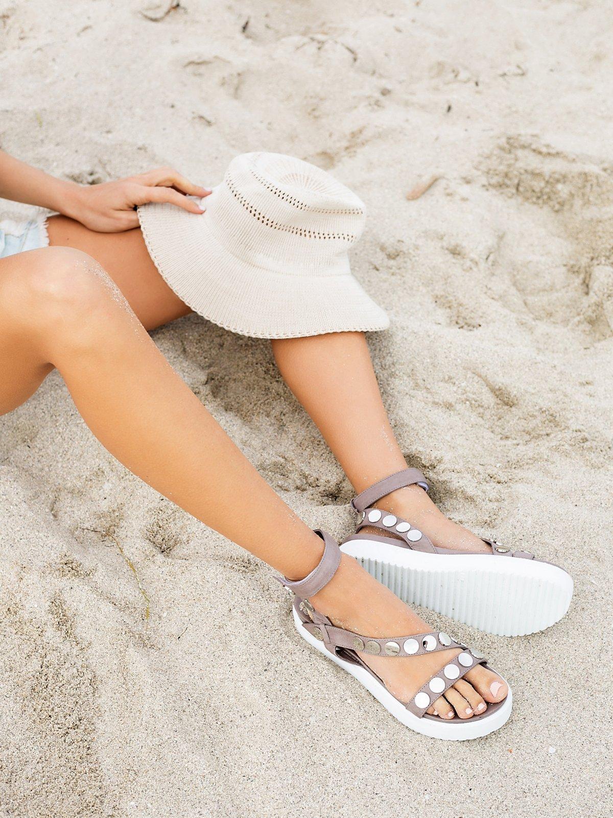 Round Rock Platform Sandal