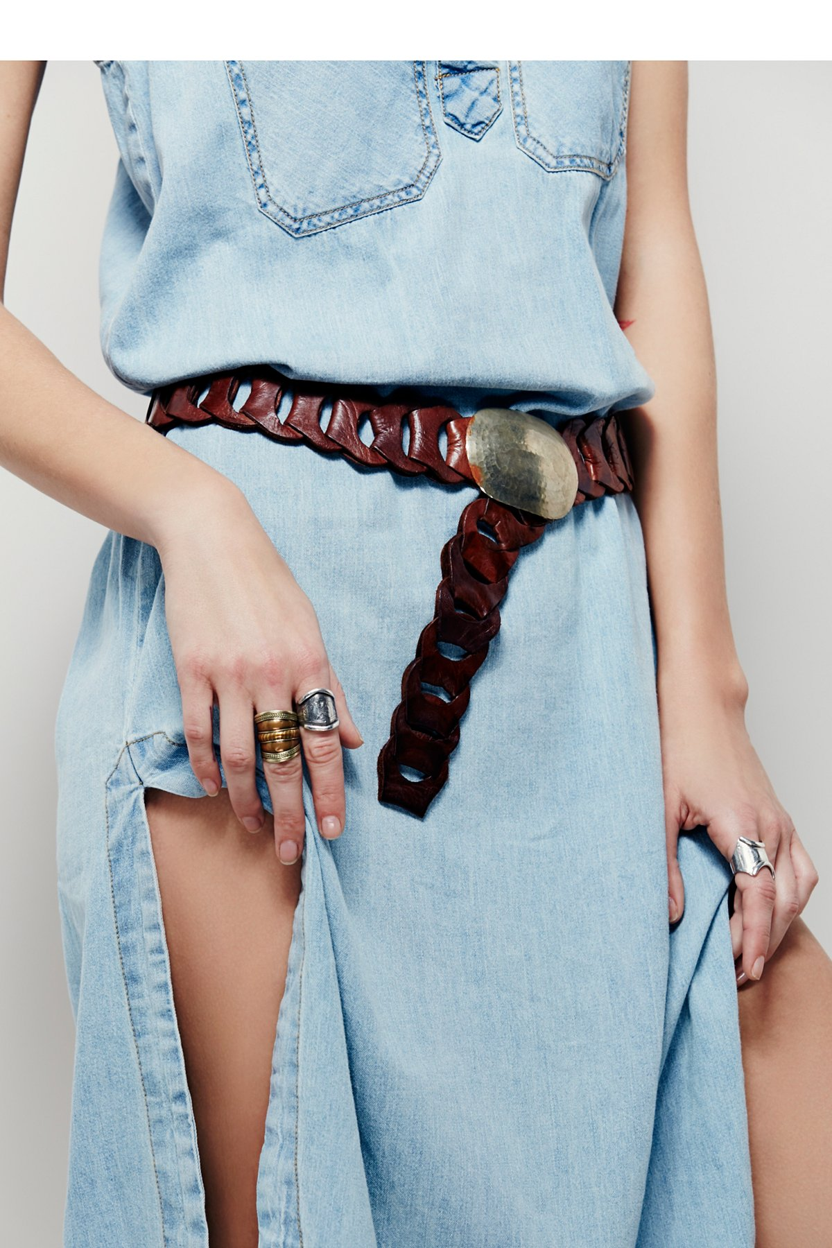 链环皮革腰带