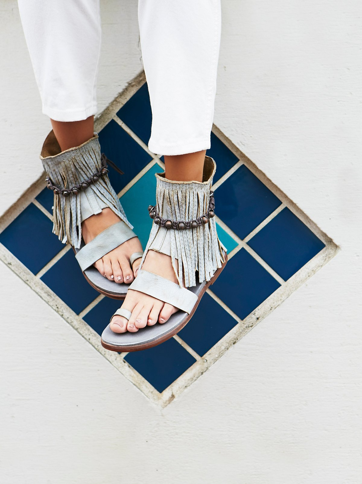 Washed Ashore流苏凉鞋