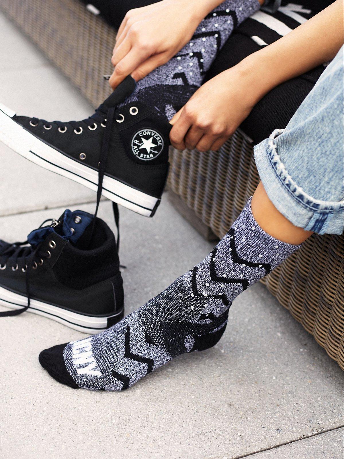 锯齿纹反光袜子