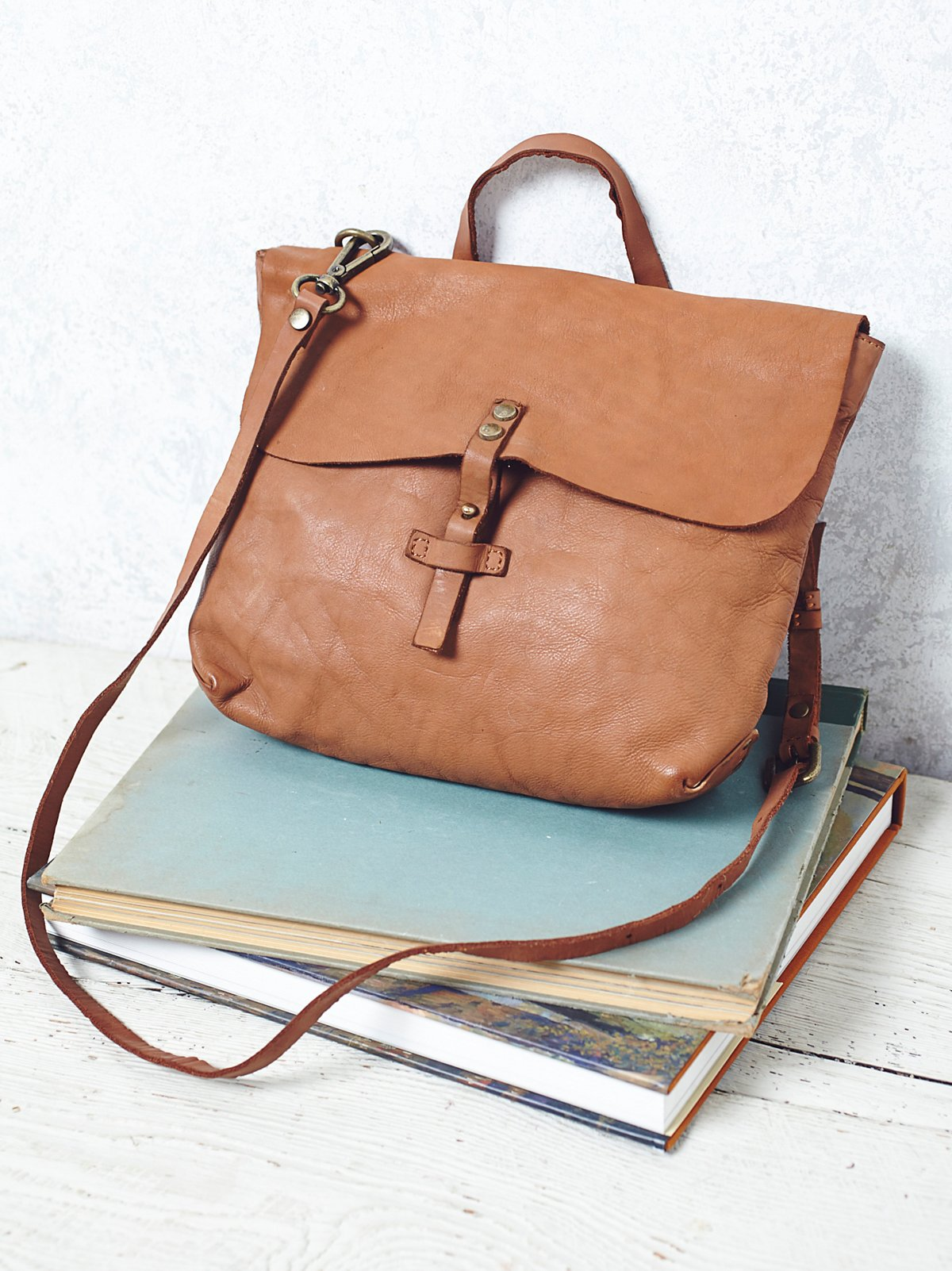 Roamer Leather Crossbody