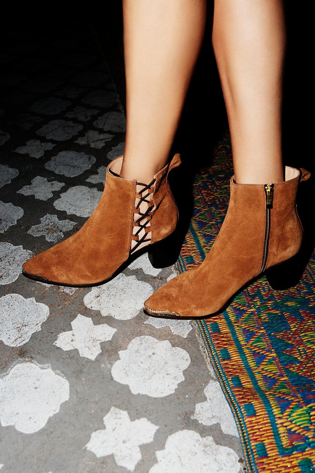 Beacon Heel Boot