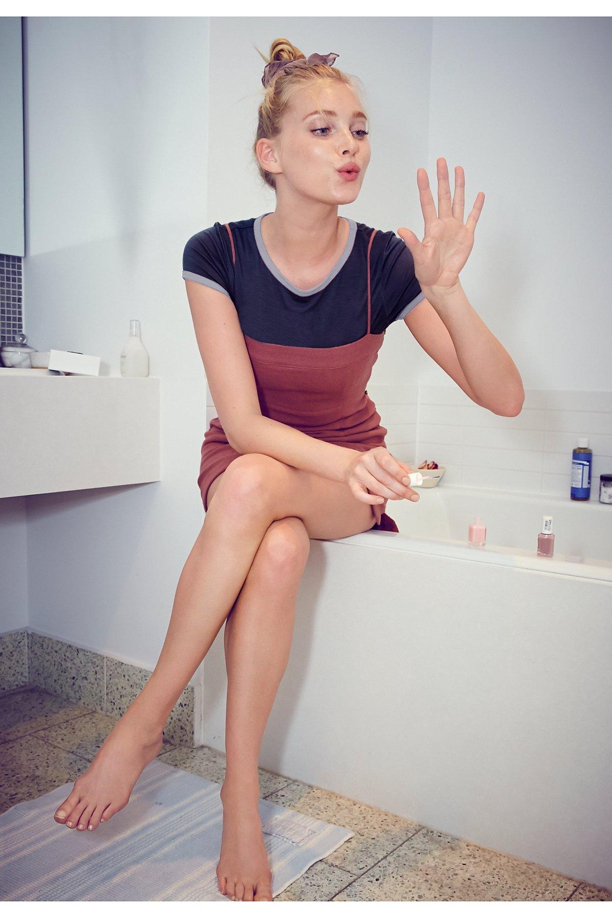 简约迷你短连衣裙