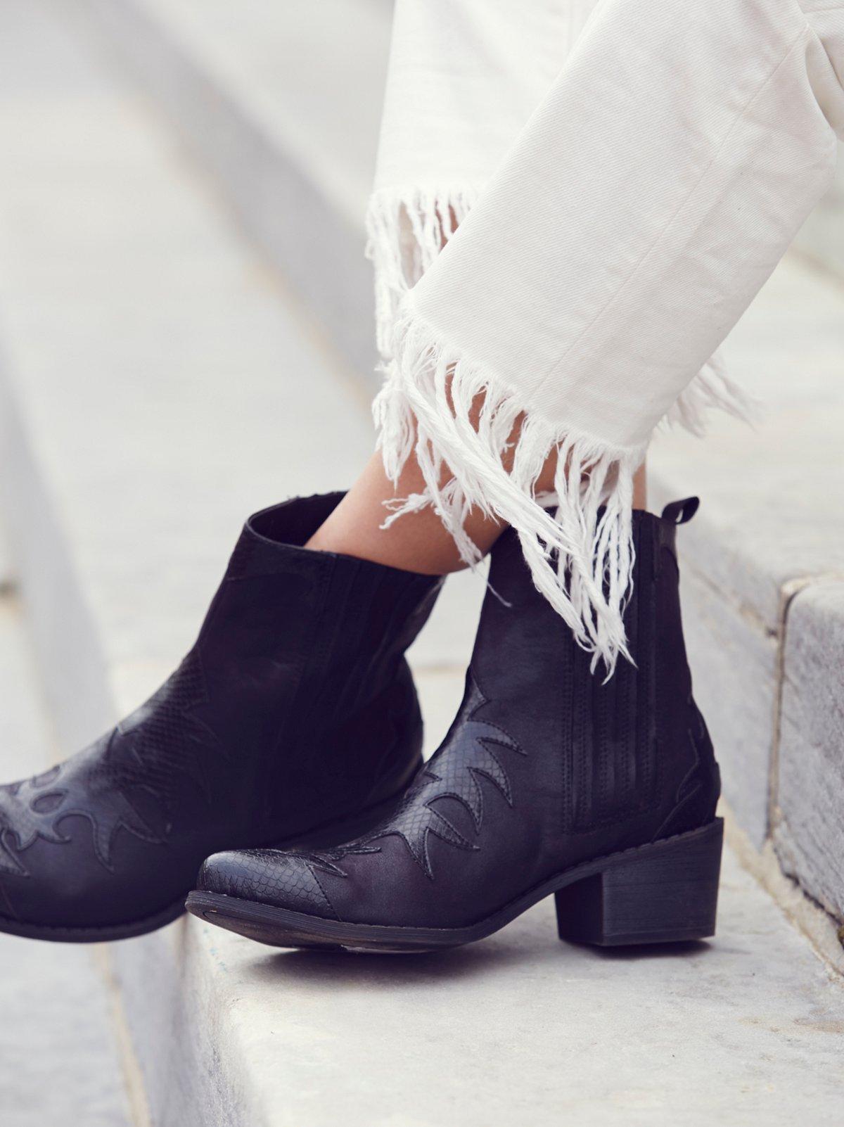 Vegan Bandit Western Boot