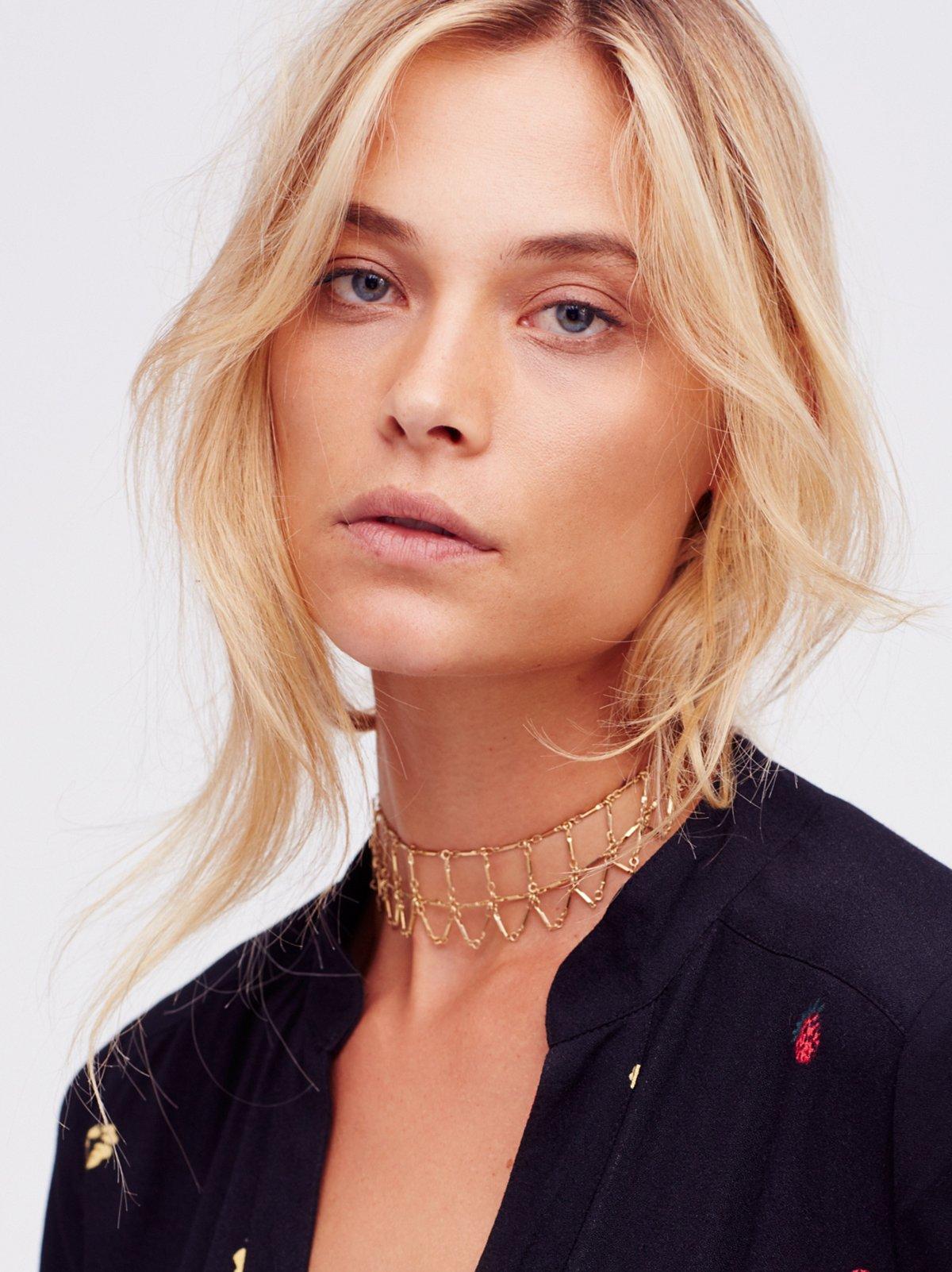 Lana Delicate Chain Choker