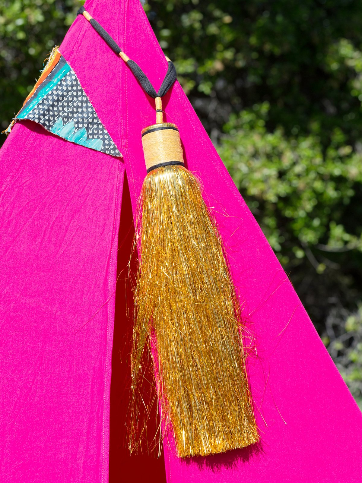 Tinsel Tent Marker