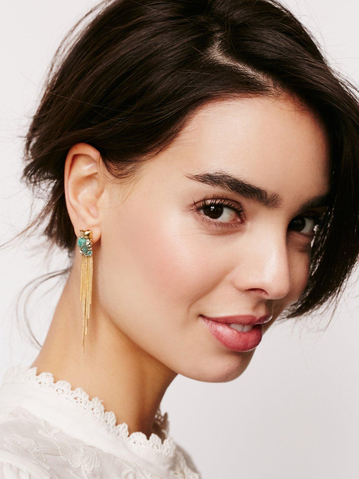 宝石群镶垂耳耳环