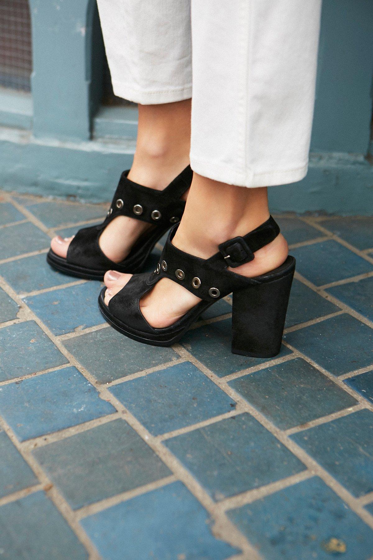 Ringer Block Heel