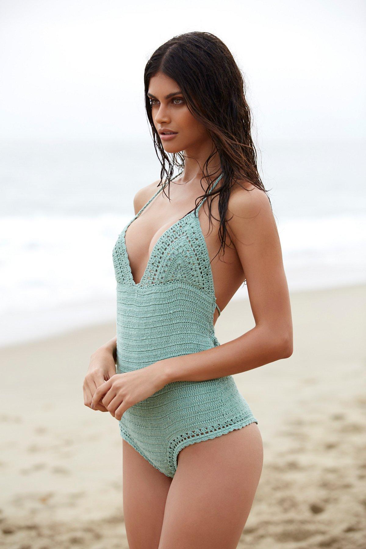 Malikah连体式泳衣